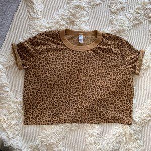 Alternative apparel crop leopard tee M